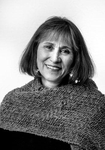 Tania Bronstein headshot